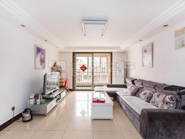 园区中间+产权清晰+业主自住装修精致+给周期稳定签约+繁华地段