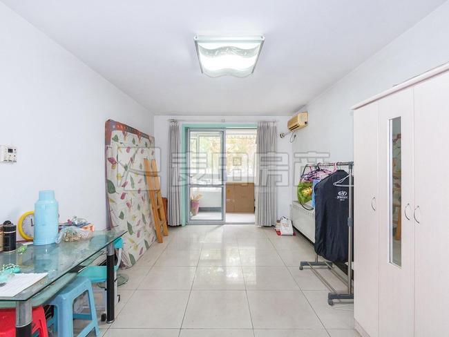 一层总价低两居室+13号线回龙观站+靠近西三旗+看房有钥匙