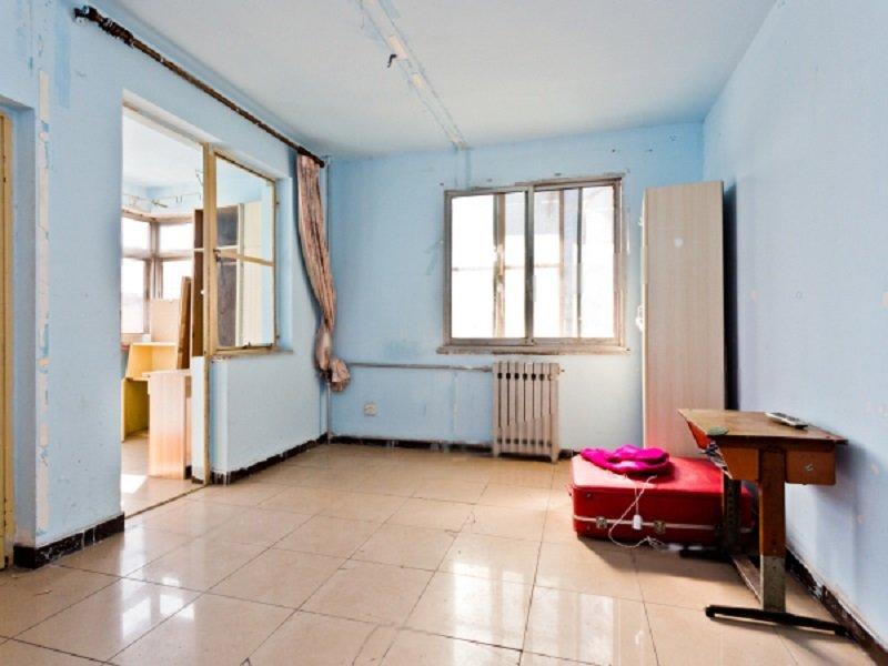 永泰庄 五层南北明厅全明格局两居室 395万可以签约