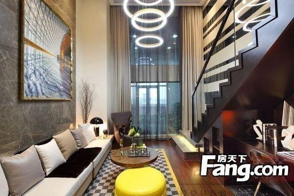 雅思阁公寓 珠江新城地铁站 精装修一房 首付10万 月收租3500