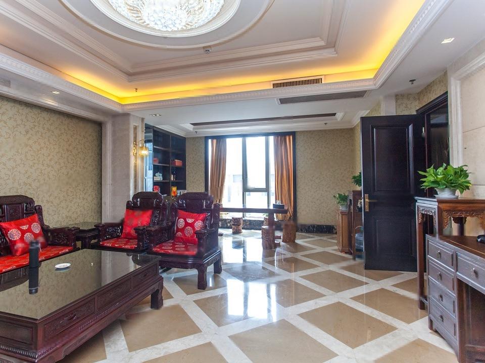 复地西绒线26号上国阙旁边 全南向 层高3.3米 09年新房单价9万