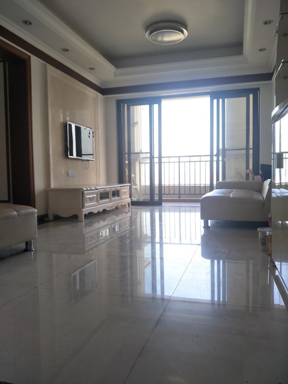 锦绣香江山水华府二期 南北对流 过2年 业主急/售 看房方便
