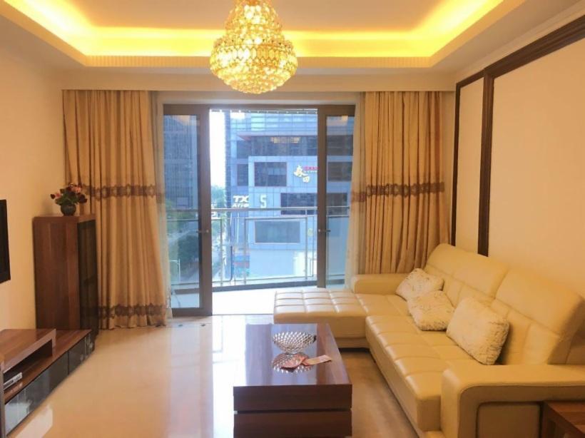 珠江新城 白菜价 方圆月岛 东南向 大三房 一口价999万