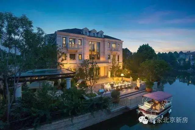 独栋 格拉斯小镇 东五环温榆河畔 河湾法式宫殿群