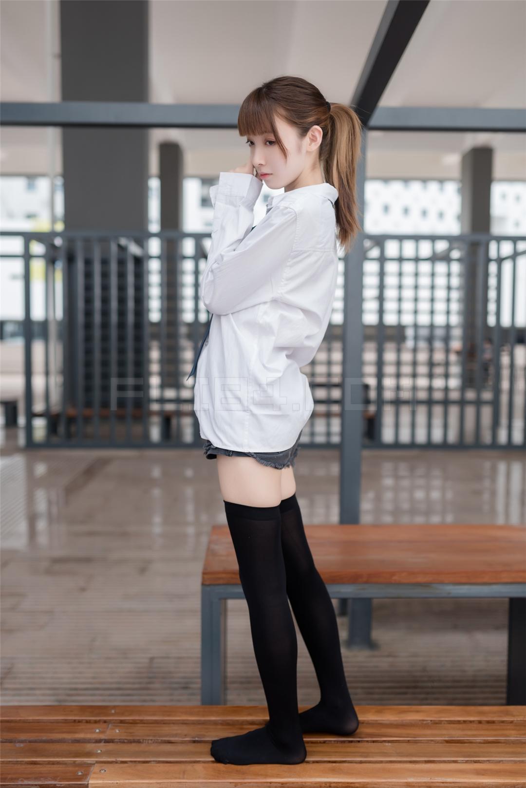 [風之領域寫真] NO.039 襯衫膝上襪 (49P)