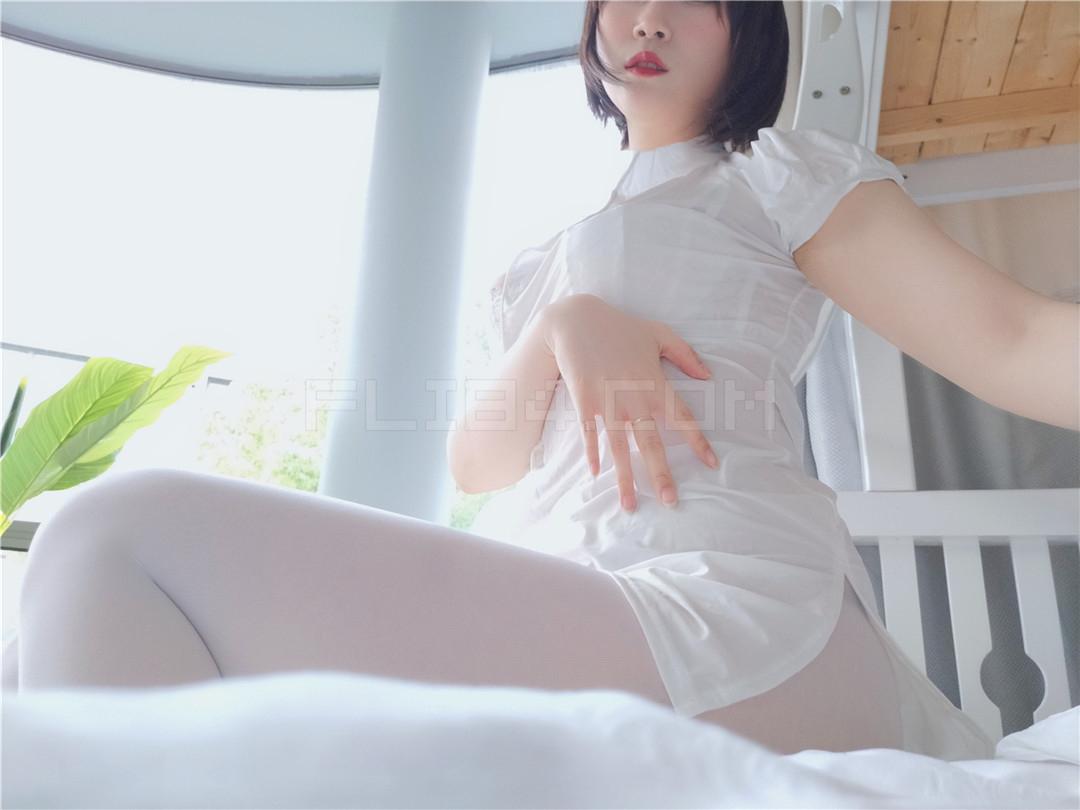 福利姬coser小姐姐白银《白丝小护士》(50P)