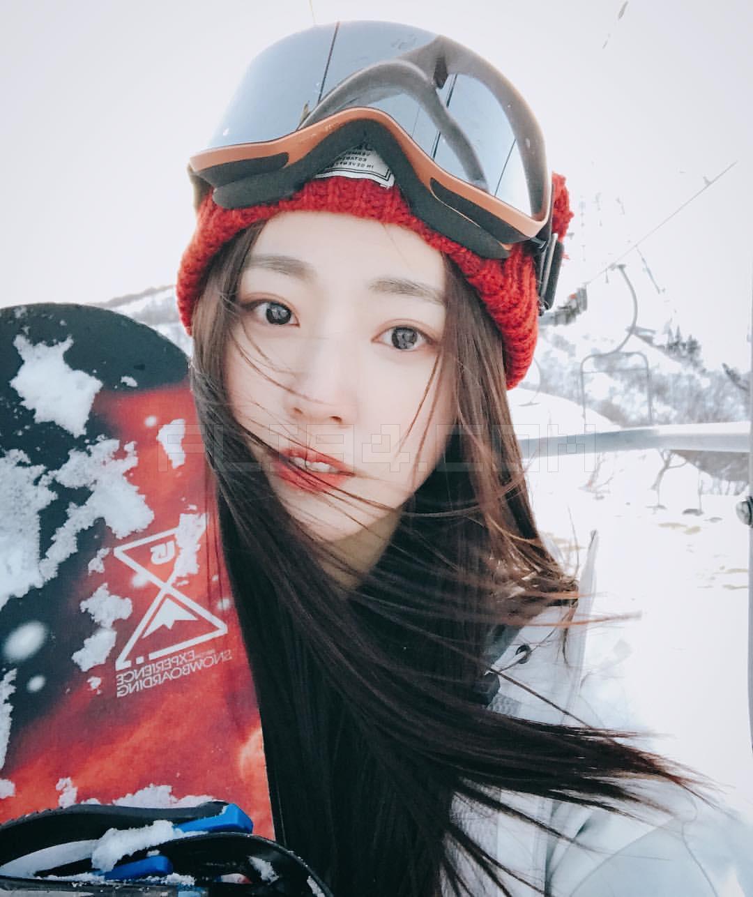 空灵系正妹小安清纯模样怎么看都好像女神