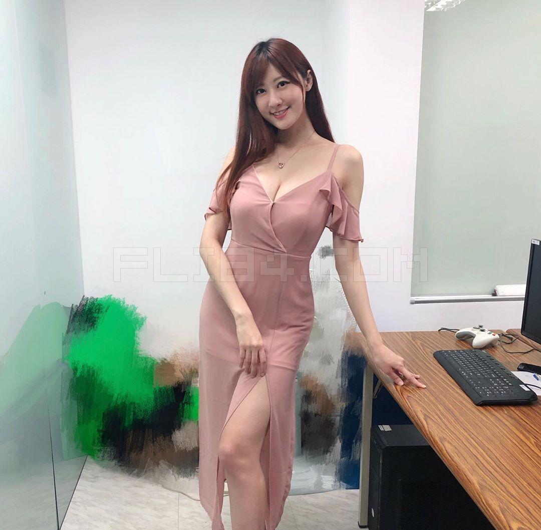 腿控速进!完美女神林茉晶前凸后翘加修长美腿实在太逆天!